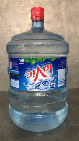 bình nước khoáng Lavie